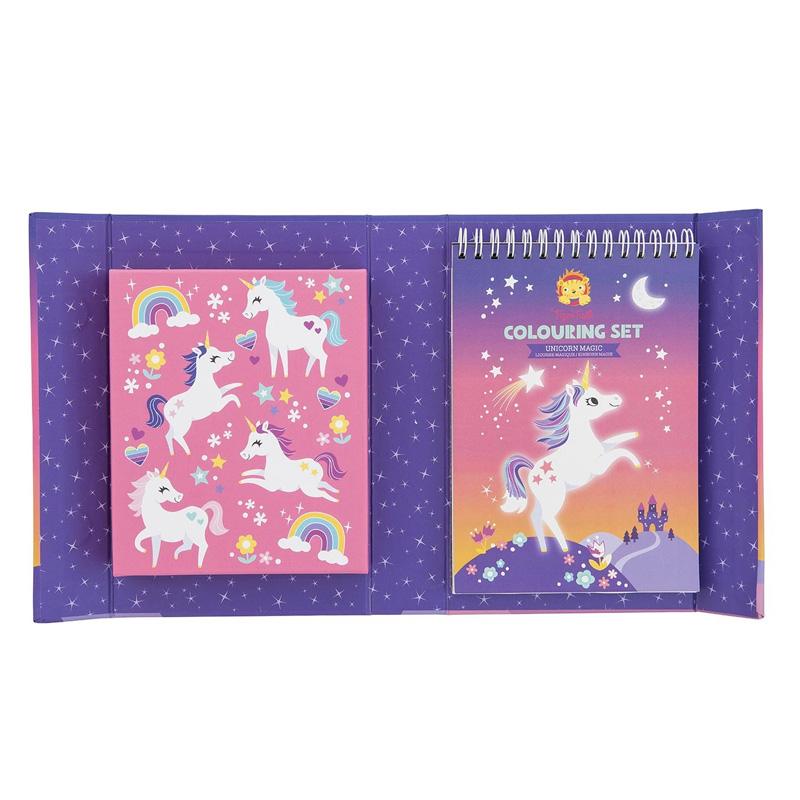 Colouring Set: Unicornios
