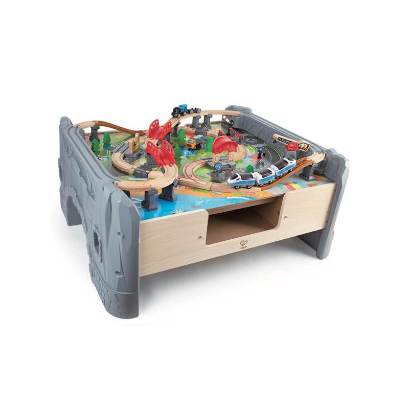 Mesa con Circuito de Tren de 70 piezas
