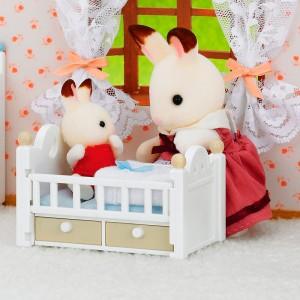 Set Bebé Conejo Chocolate con Cuna