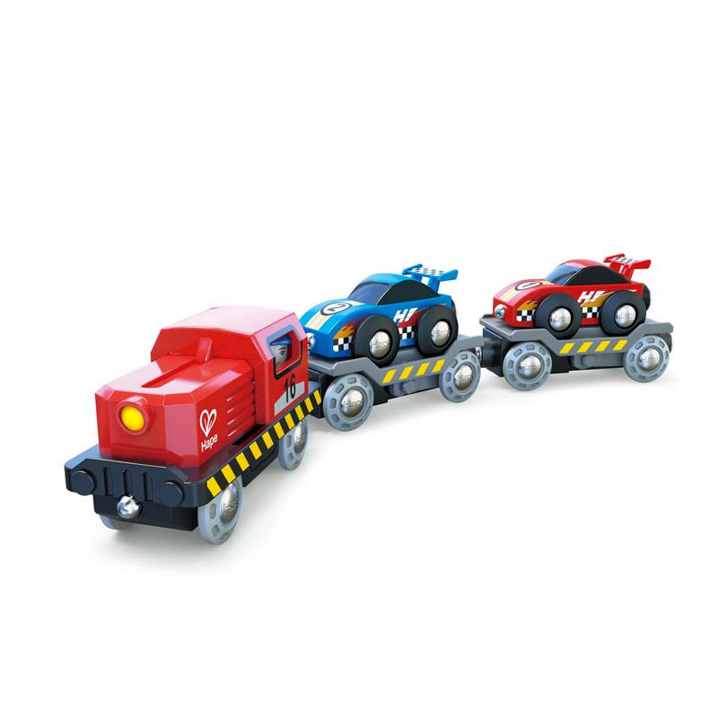 Tren transportador de coches de carreras